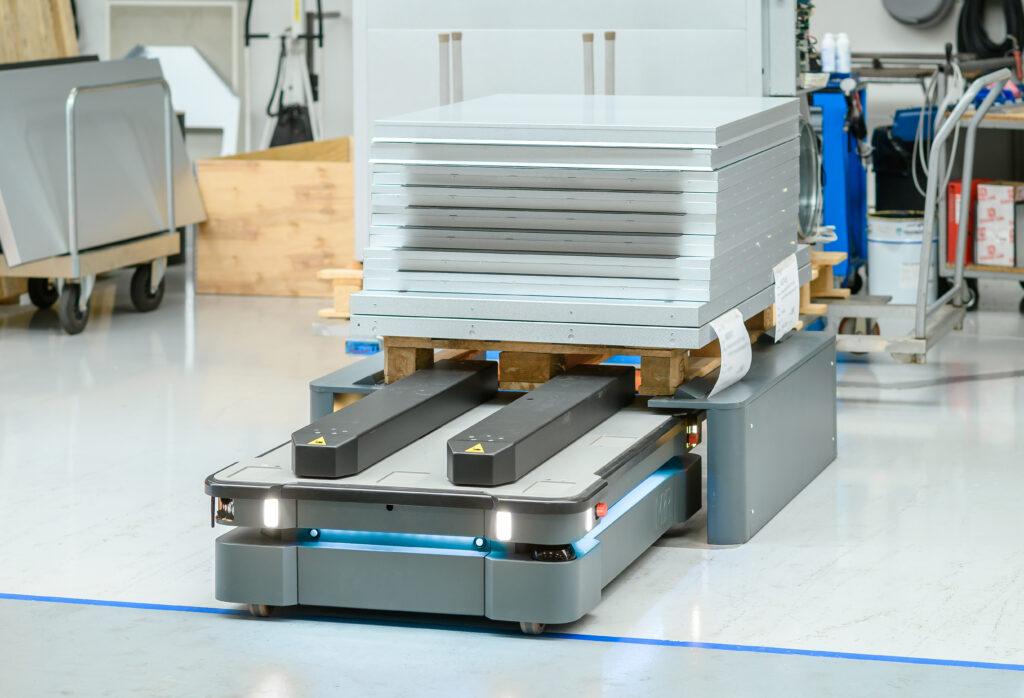 MiR600 robot autonomiczny zalety wykorzystania w firmie